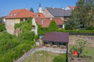 Rodinný dům se zavedenou restaurací v historickém centru města Stříbro